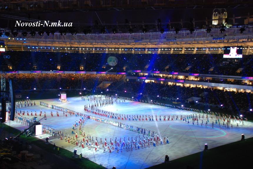 сочетаются футболками олимпийский внутри фото с разных секторов дома трубы