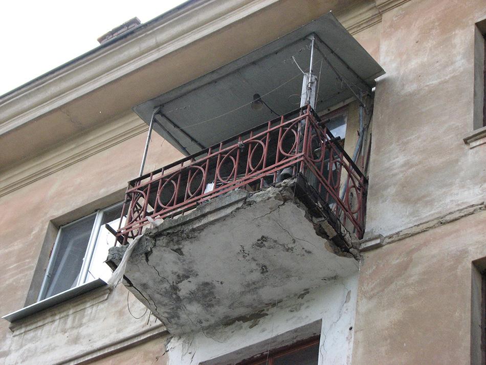 Ремонт балкона своими руками, 14 фото аварийных и восстановл.