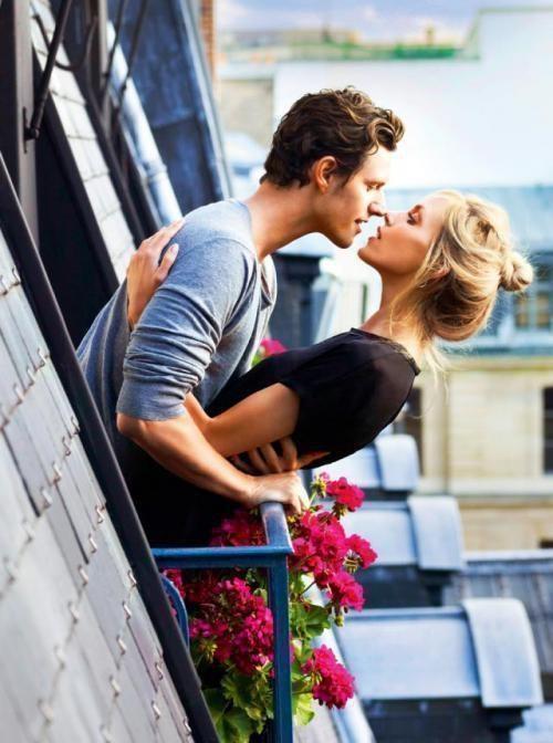 Балконе русская пара на