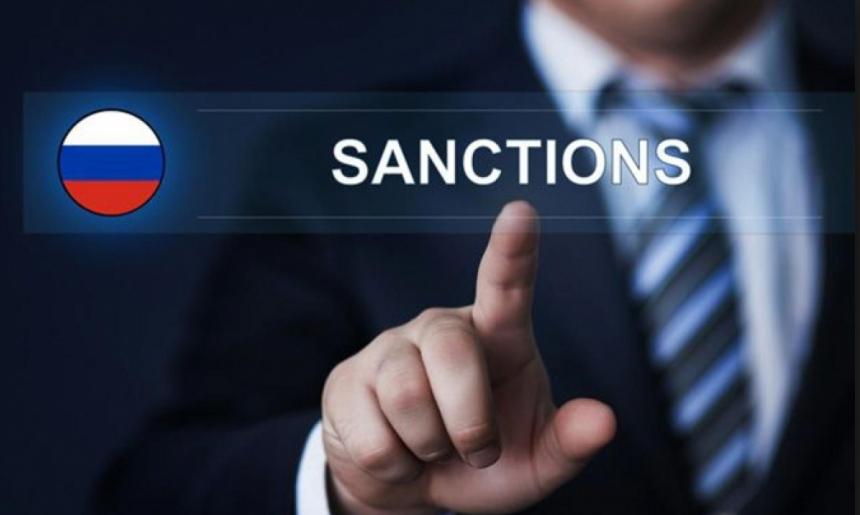 Порошенко проинформировал орешенииЕС продлить санкции против РФ
