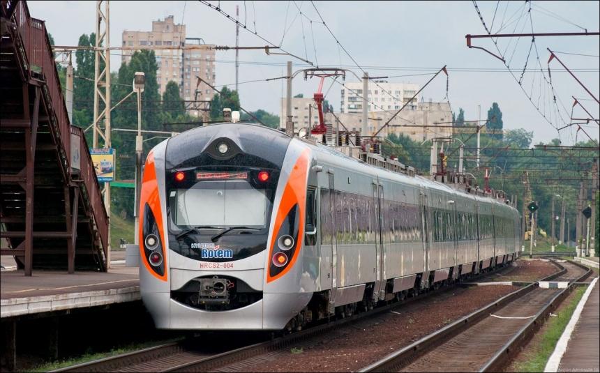 9января будет курсировать дополнительный поезд «Киев-Львов»
