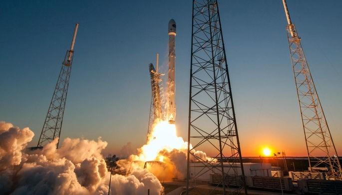 Falcon 9 стартовала смыса Канаверал ссекретным североамериканским спутником