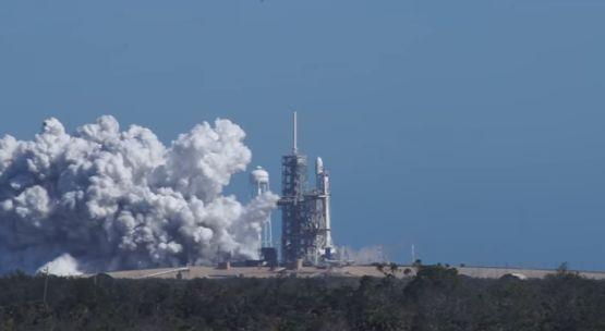 SpaceX провела первые огневые тестирования ракеты Falcon Heavy