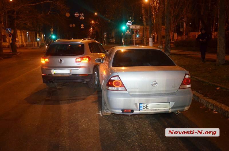 Девушка за рулем иномарки подрезала автомобиль в Николаеве (фото)