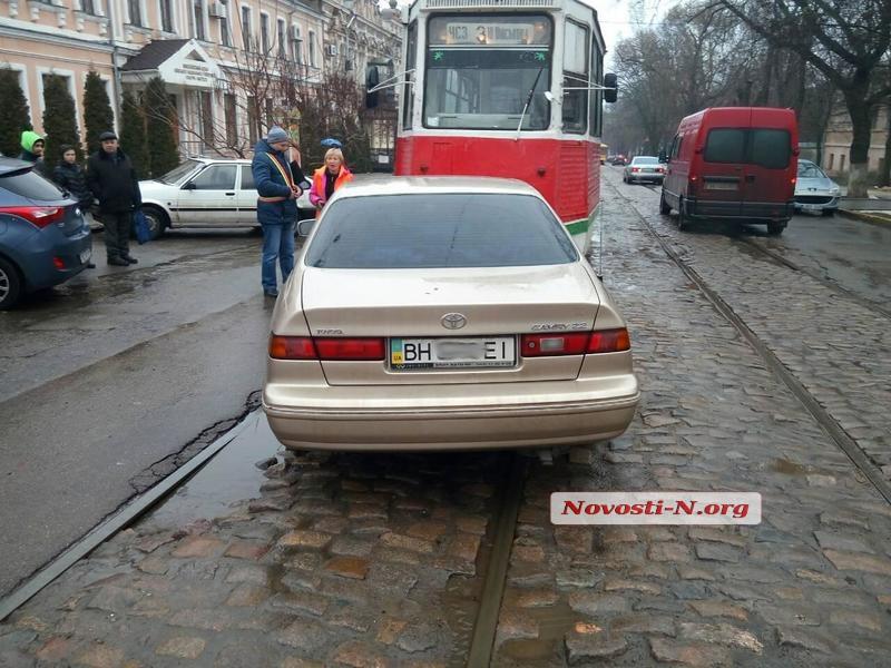 В Николаеве автомобили в водителях не нуждаются (фото)