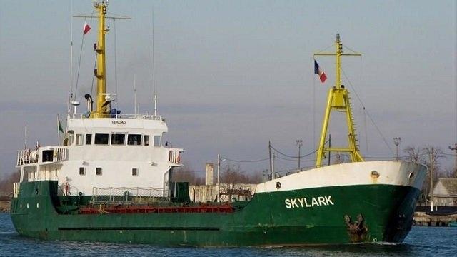 Украинские моряки просят о помощи на рейде одного из греческих портов