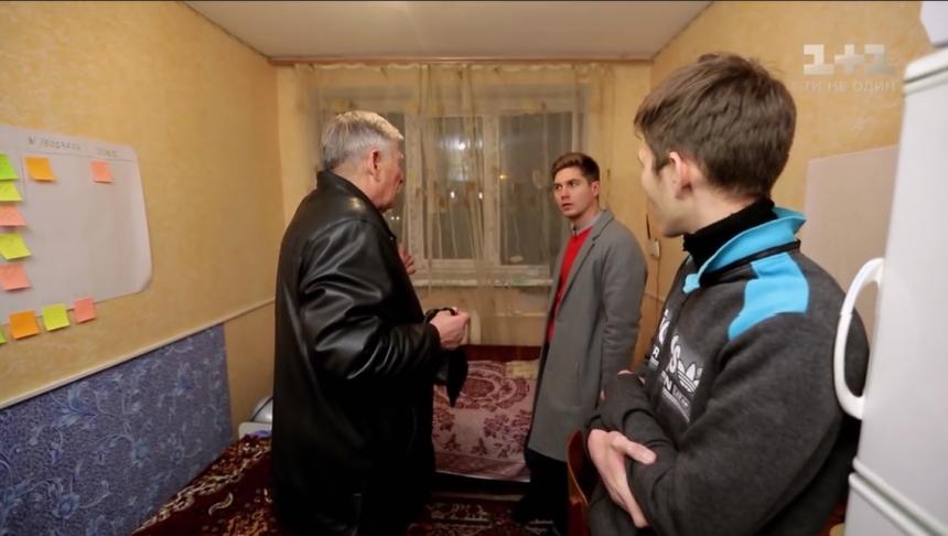 В Николаеве установкой окон в общежитии «могилянки» занимается фирма с