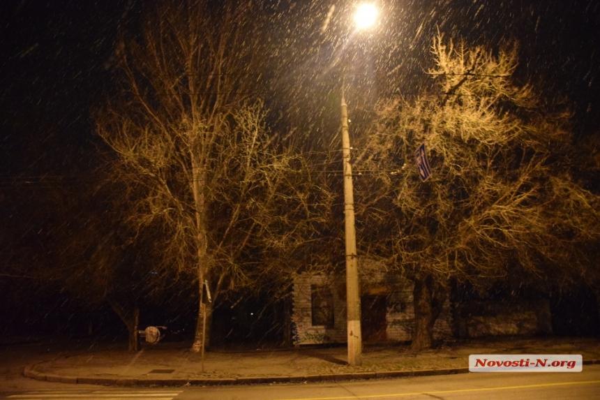 Зима решила задержаться в Николаеве (фото)