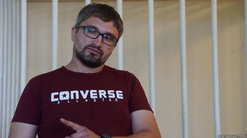 Симферополь: крымско-татарский активист доставлен надопрос вФСБ