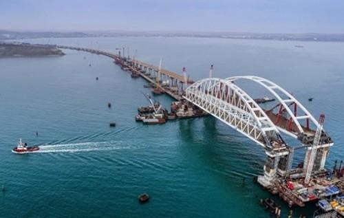 70% Крымского моста заасфальтировано