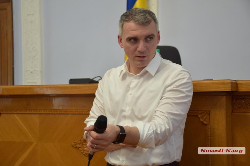 Сенкевич не хочет расставаться с Казаковой — он намерен уговорить её з