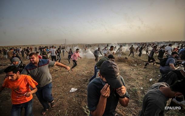 Неменее ста палестинцев пострадали встолкновениях сизраильскими военнослужащими