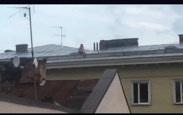 Видео секс на крыше платно существуют?