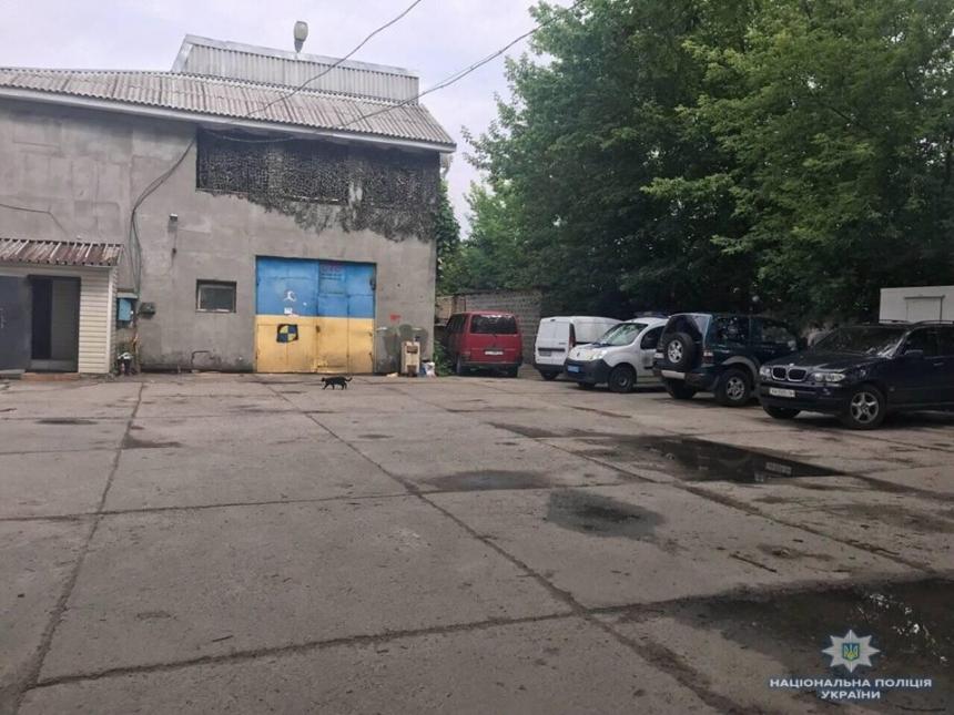 Под Киевом на СТО взорвалась самодельная бомба, пострадал работник