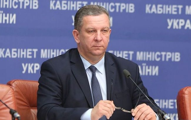 Министр разъяснил, почему украинцы получают небольшие заработной платы