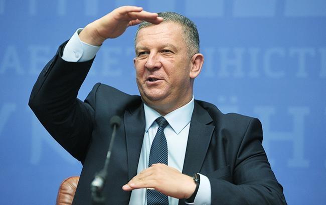 Минсоцполитики: практически каждый 10 украинец напостоянной основе работает заграницей