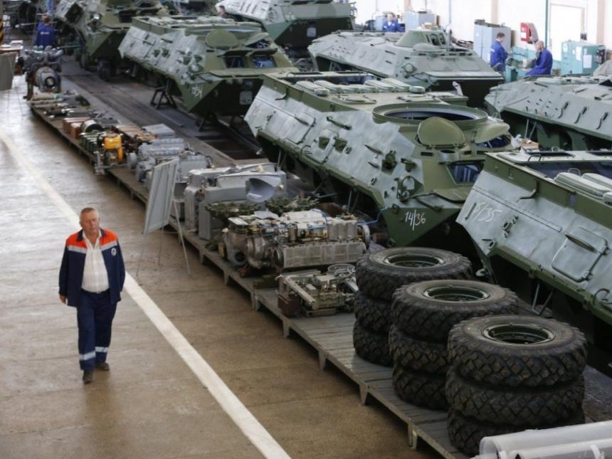 Украинцы стали получать на170 долларов больше затри года