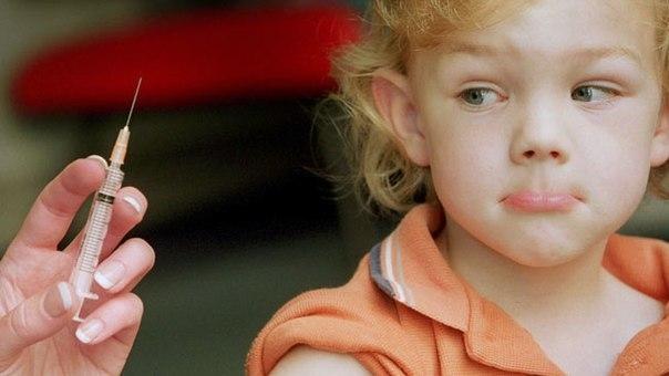 Верховный суд решил, что детей без прививок могут законно не брать в детский сад