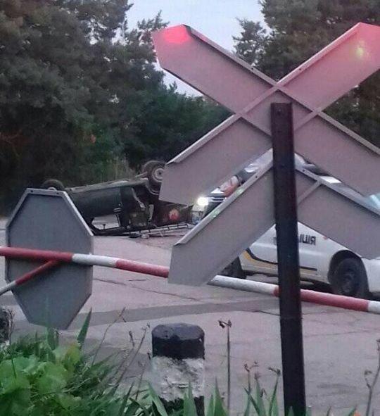 В Николаеве «ВАЗ» перевернулся на крышу: пострадавшего увезла «скорая»