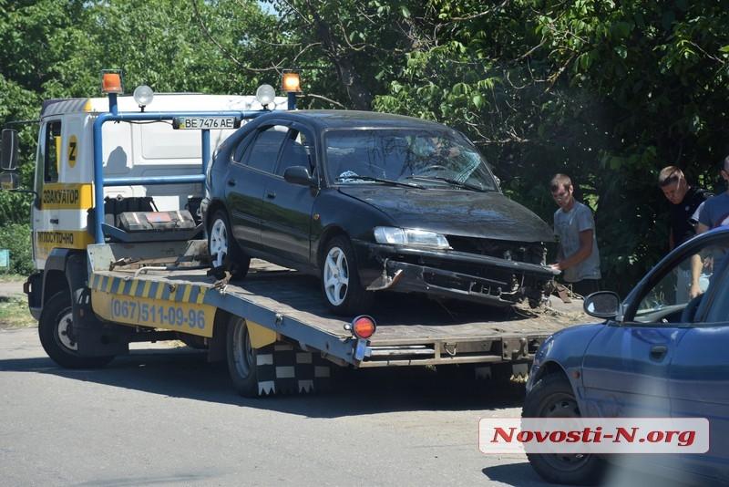 На трассе под Николаевом «Тойота» выехала на «встречку» и врезалась в седельный тягач