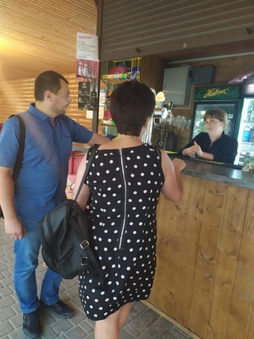 На Намыве проверили, продают ли несовершеннолетним пиво и сигареты