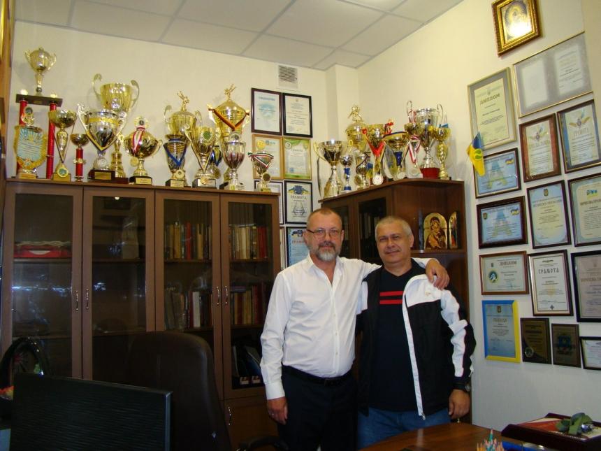 Владимир Тимошин провел николаевских «рукопашников» в оздоровительный лагерь