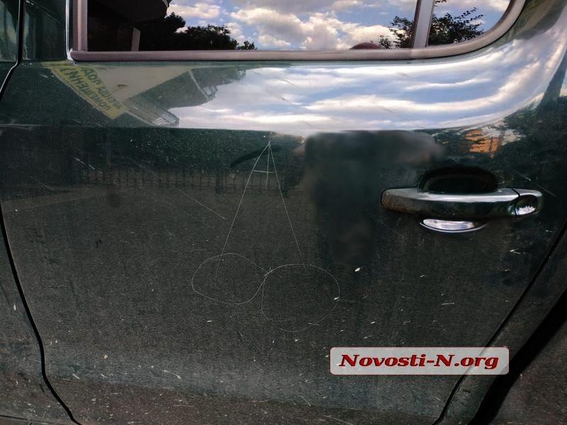 В Николаеве школьник повредил 5 автомобилей