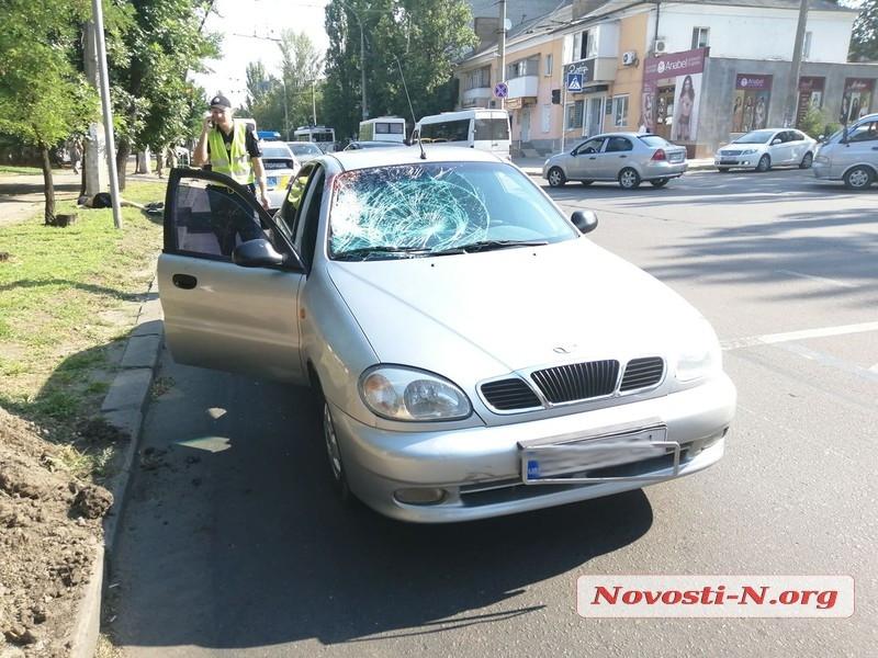 В Николаеве «Дэу» насмерть сбил пешехода, перебегавшего на «красный»