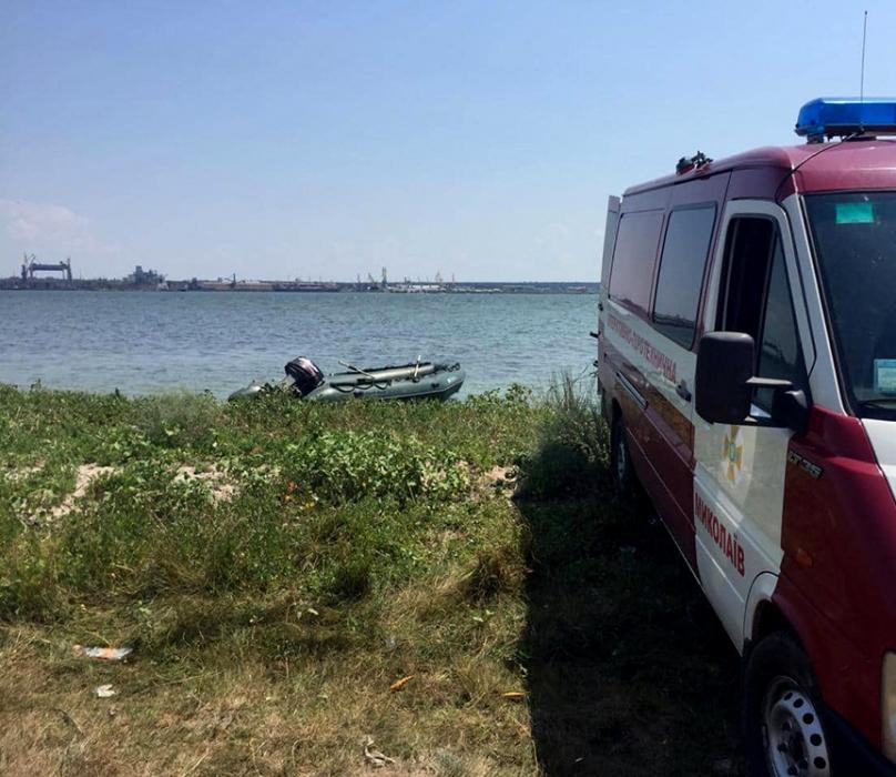 На Николаевщине ищут рыбака, пропавшего с яхты