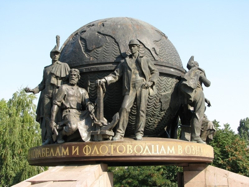 Один из самых знаменитых памятников Николаева «больше не будет стоять, как попрошайка»