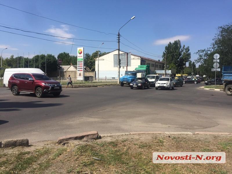 В центре Николаева столкнулись Mitsubishi и Тoyota