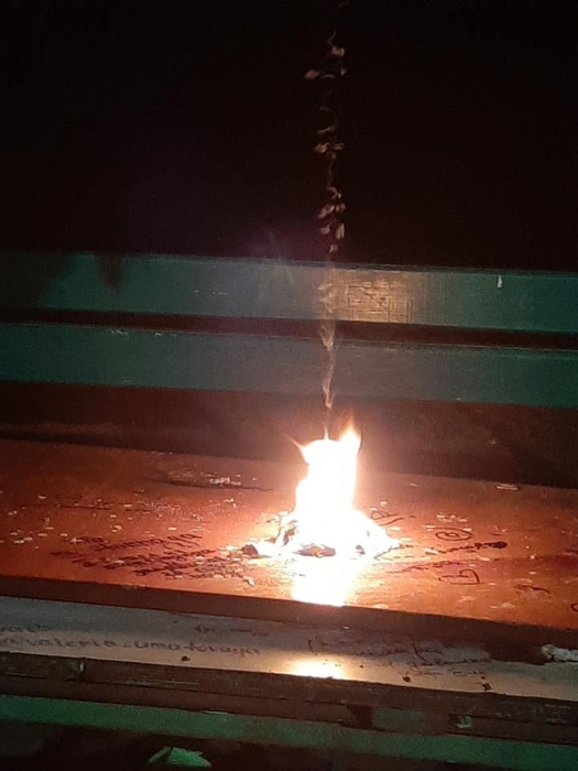 В николаевском дворе подростки проводят вечеринки, а вчера устроили пожар
