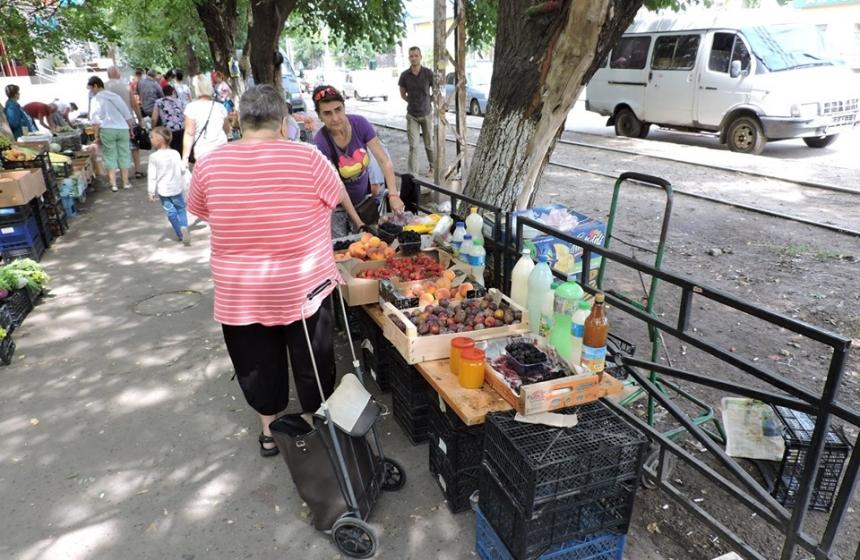 Рейд по незаконной торговле в Николаеве: на 6-й Слободской составили шесть админпротоколов