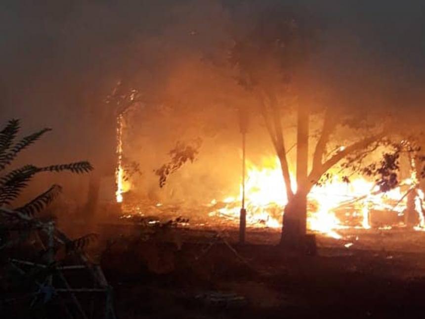 В Очакове сгорели еще несколько домиков пансионата «Прибой». ВИДЕО
