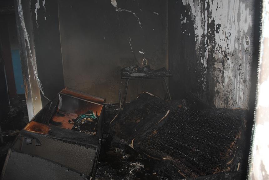 В Николаеве горела квартира в многоэтажке: спасена 8-летняя девочка и эвакуированы 12 человек