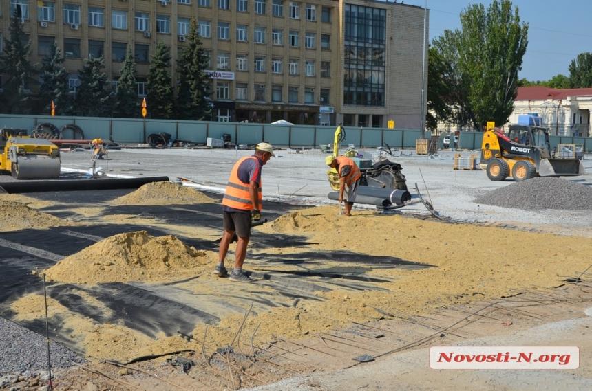 Часть главной площади Николаева «накроют» стеклом
