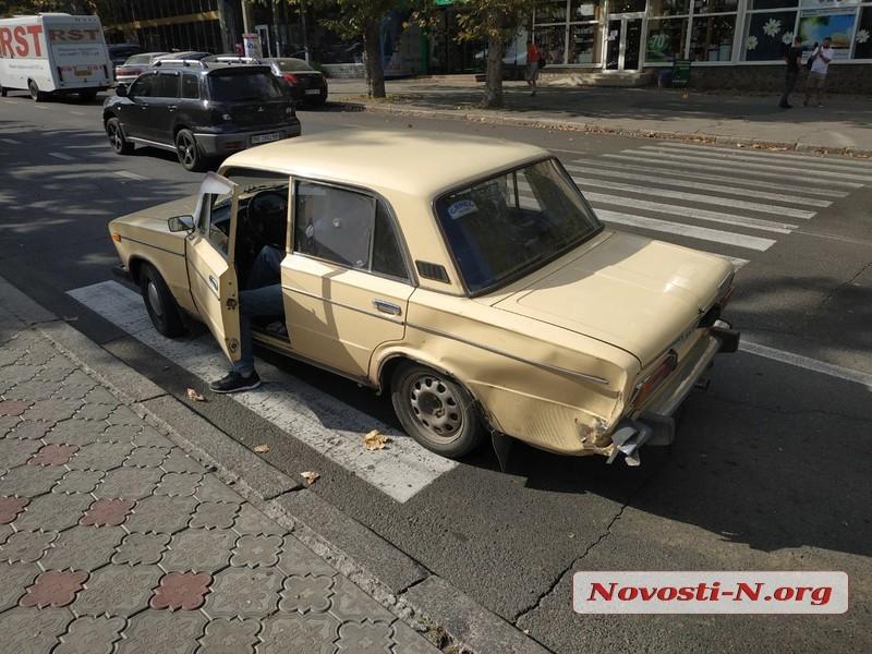 В центре Николаева столкнулись «Тойота» и «Жигули»