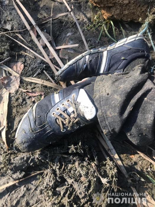 На берегу Южного Буга нашли труп с камнями на шее и ногах