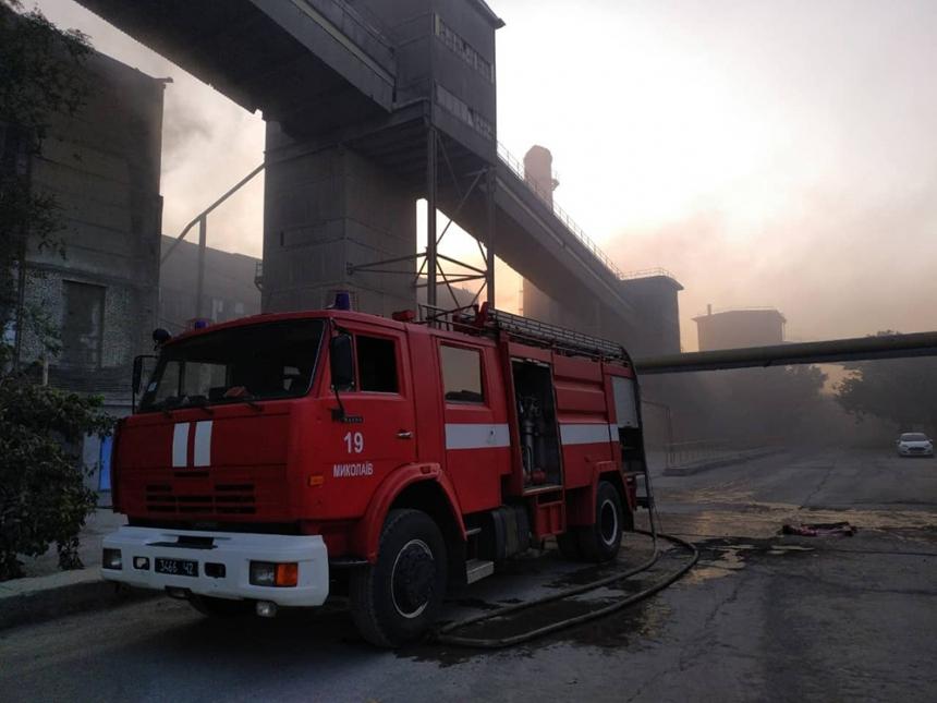 Под Николаевом горел цементный завод Дикергофф