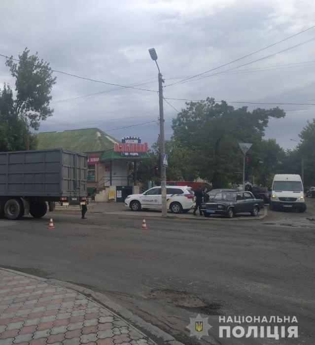 В Вознесенске грузовик с прицепом насмерть сбил 81-летнего пешехода