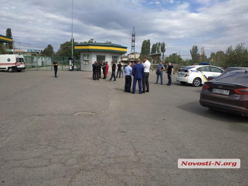 На газовой заправке в Николаеве обнаружены три трупа с огнестрельными ранениями