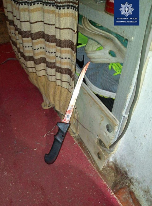 В Николаеве женщина ударила сожителя ножом в спину и пошла за алкоголем