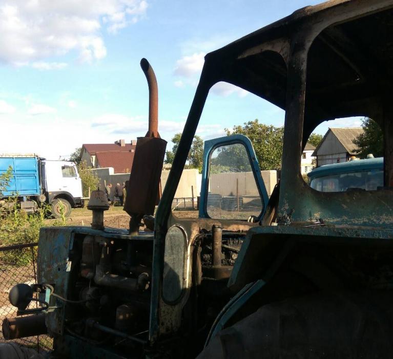 Под Николаевом по время тушения пожара трактора владелец получил ожоги