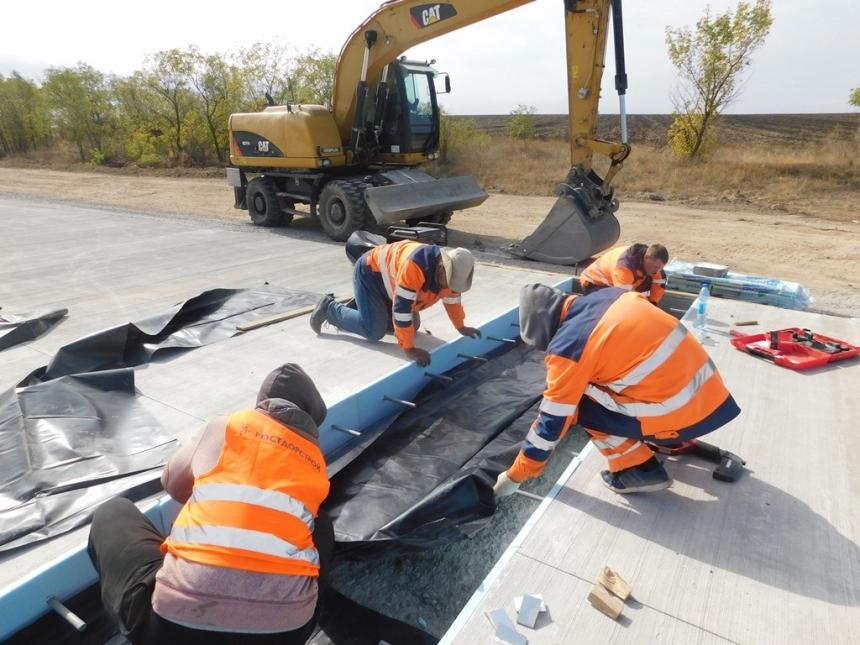 Ремонт на многострадальной трассе Н-14: дорожники обустраивают деформационные швы