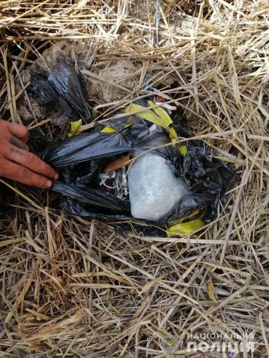 На Николаевщине местный искатель металла обнаружил 1,5 кг пластида