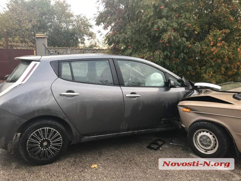 Под Николаевом пьяный водитель на «шестерке» врезался в Nissan