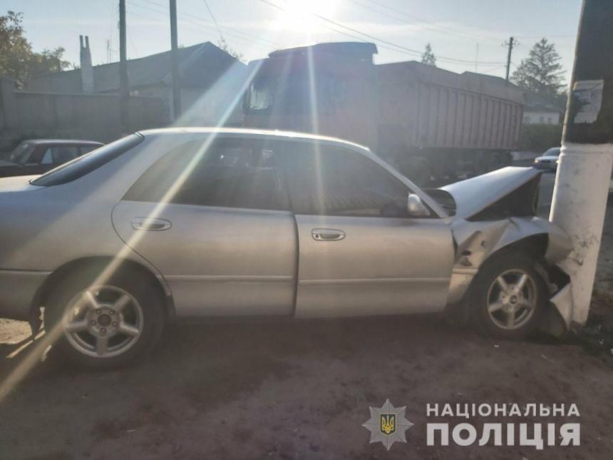 """На Николаевщине в ДТП пострадал 57-летний водитель - его забрала """"скорая"""""""