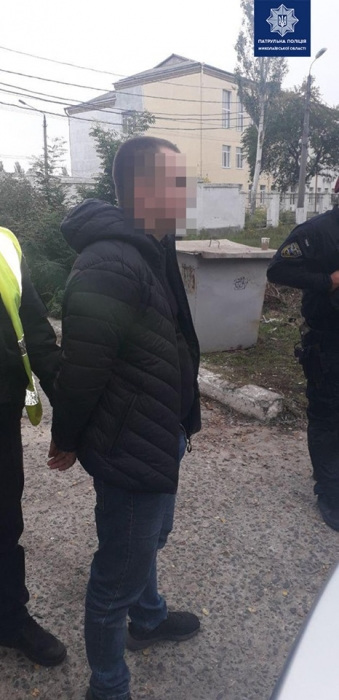 В Николаеве задержали автомобиль Skoda, который был угнан в Киеве: водитель пытался бежать