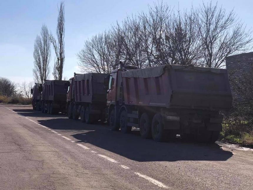На Николаевщине задержали колонну грузовиков с перегрузом: автопредприятие уже задолжало 400 тыс.евро штрафов