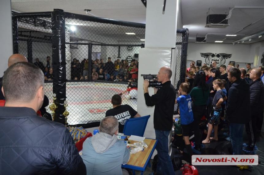 В Николаев на соревнования по смешанным единоборствам съехались бойцы со всей Украины